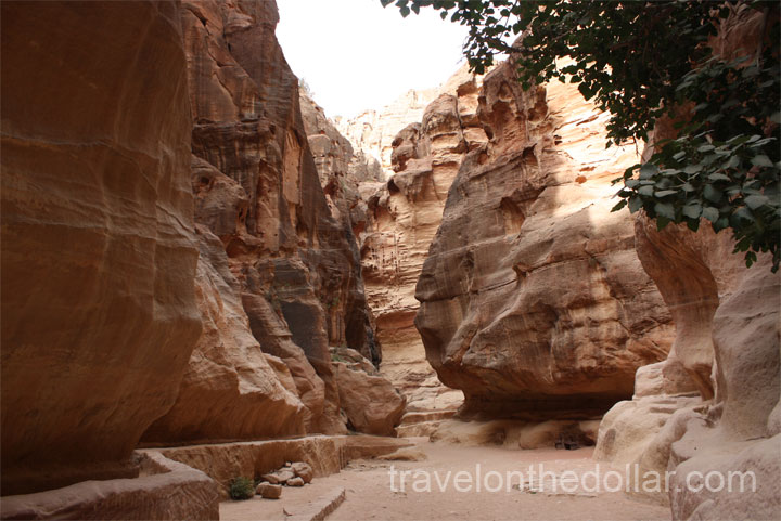 Canyon road to Treasury in Petra