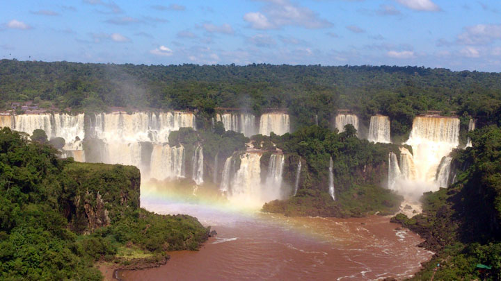 Experiencing mind-blowing spectacle of Iguaçu Falls