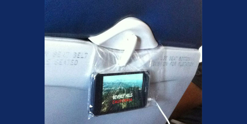 Travel tip: Turn smartphone into an in-flight using Ziploc bag