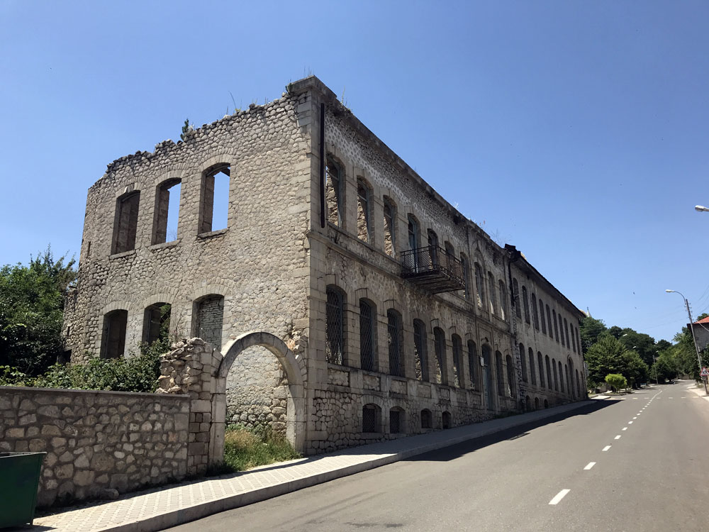 War-torn building in Shushi