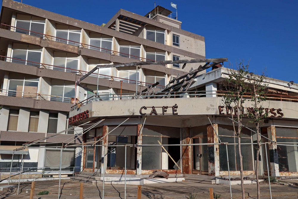 Abandoned cafe in Varosha